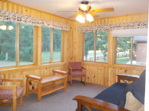 Cabin_17_sunroom.JPG